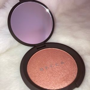 *NEW* BECCA Cosmetics Pressed Highlighter